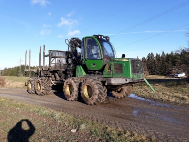 John Deer Forwarder 1210E